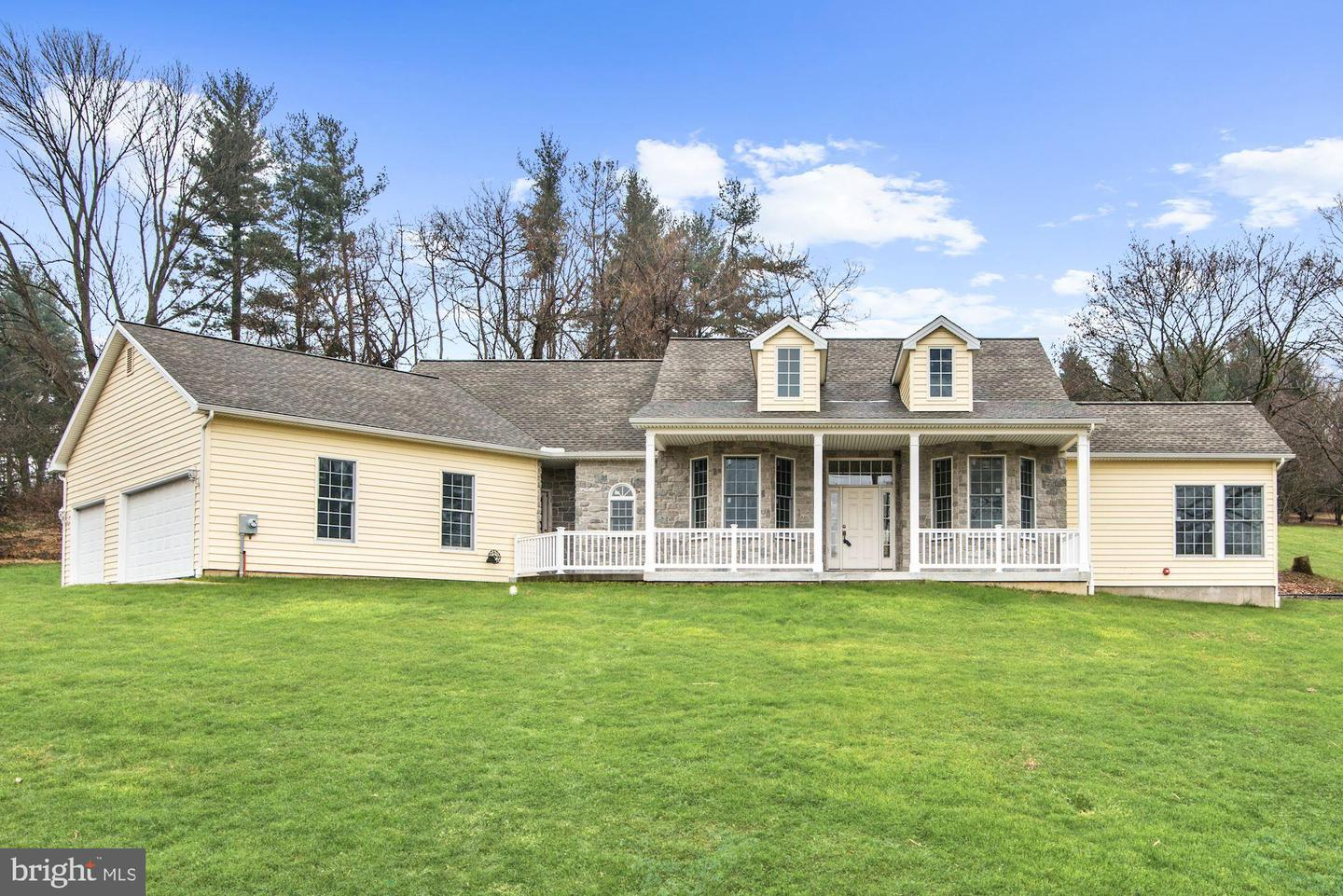 4902 West Chester Pike Newtown Square, PA 19073