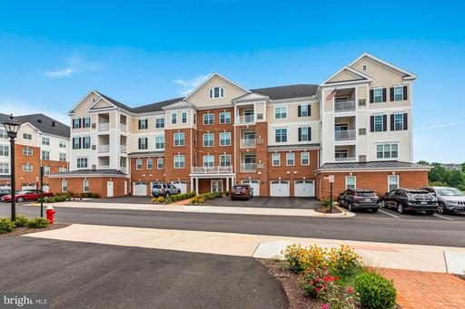 Property for sale at 21022 Rocky Knoll Square #305, Ashburn,  Virginia 20147