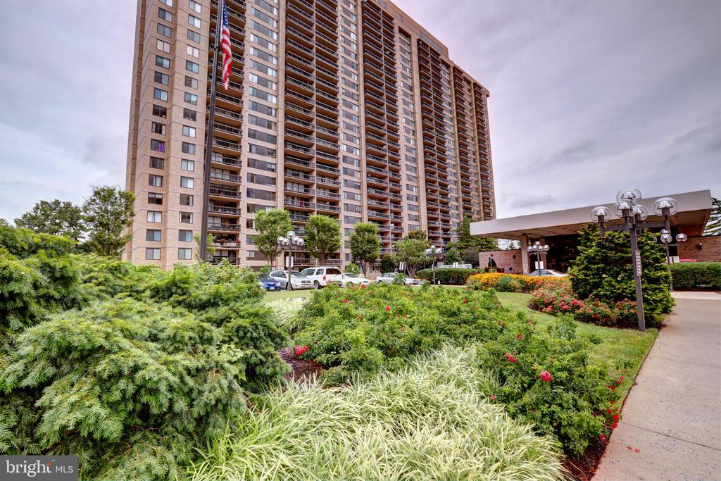 3701 S George Mason Dr #409n, Falls Church, VA 22041