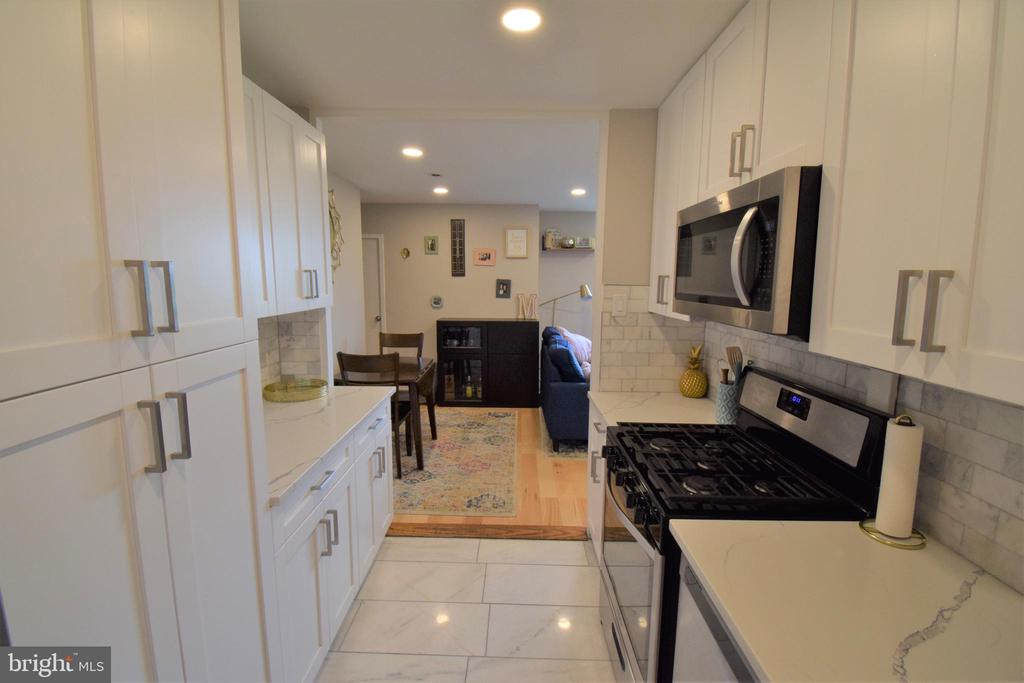Photo of 6641 Wakefield Dr #720