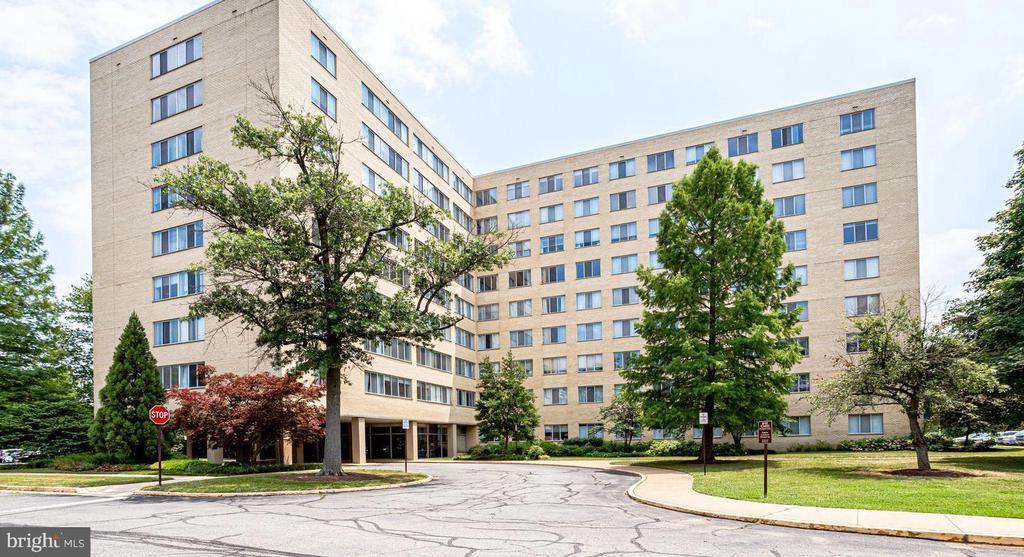 6641 Wakefield Dr #720, Alexandria, VA 22307
