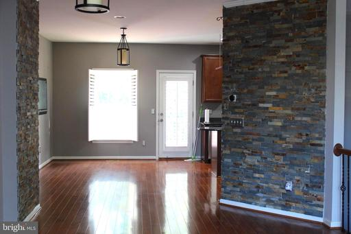 42435 Patrick Wayne Sq Broadlands VA 20148