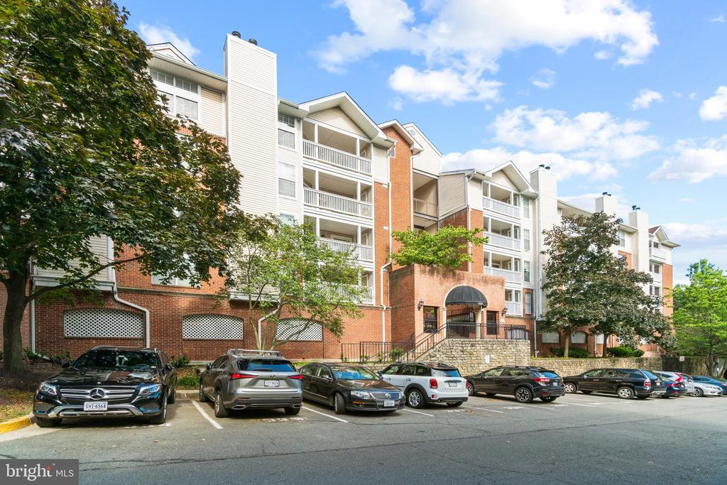 1524 Lincoln Way #119, McLean, VA 22102