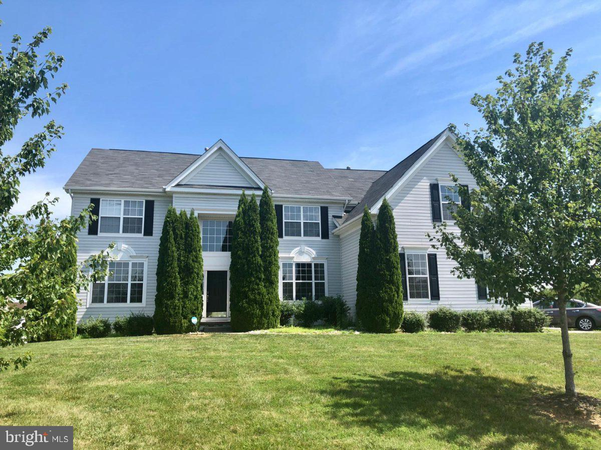 This GORGEOUS new listing in Shannon Cove is ready for you! Convenient location right off of rt 13/rt 1 in North Middletown, ShannonCove is known for its half acre properties and climbing home values! With a neighborhood pool, tot-lot, basketball court and community events, thislocation is sure to please! Situated on a lot that backs to open space! The entrance to the home has a 2-story presence with lotsof natural light flowing throughout. Enjoy hardwood floors in entry and kitchen. The potentials are endless with the 9ft basement ceilings and full sizedwindows that walk out to a very large open back yard. On the main floor, Front office is in the front on your left, living room leads into the dining roomon your right, accenting the natural flow that feels like home. On the other side of the main level is a laundry room and The family room is wide openwith a beautiful fireplace and additional windows that allow extra lighting with complete with a gas fireplace and vaulted ceilings that opens up to ankitchen with white cabinetry, and Stainless Steel Appliances, Double Wall ovens, a desk area, , Also on the main level is a powder room, access toyour 3 car garage. Up the curved staircase to the 2nd level, notice the spacious hallway with adequate distance between bedrooms! All five bedroomsare upstairs as well as three full bathrooms including a grand master bedroom with large tub and shower and a princess suit with separate bathroomwhich is enormous and could pass as a 2nd owners suite! Don't go yet, you still haven't seen the fully! TONS of extra space, all for your family toenjoy! Start this new decade right; hurry and make this home yours!