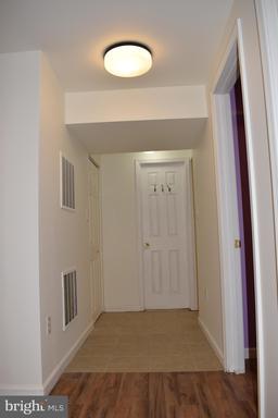 14826 Cranoke St Centreville VA 20120