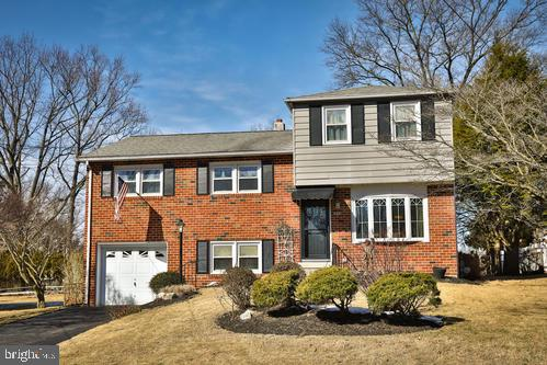 648 Old Schoolhouse Drive Springfield, PA 19064
