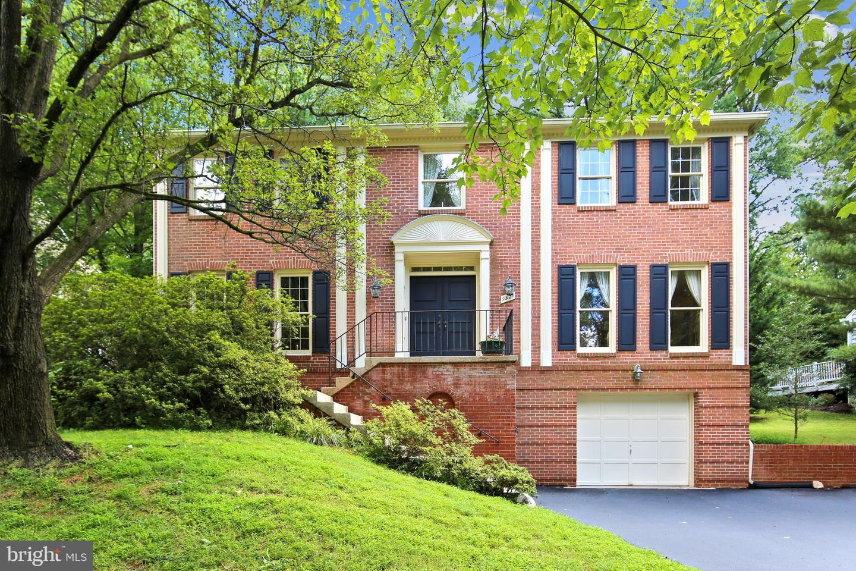 9524 Reach Road   - Potomac, Maryland 20854