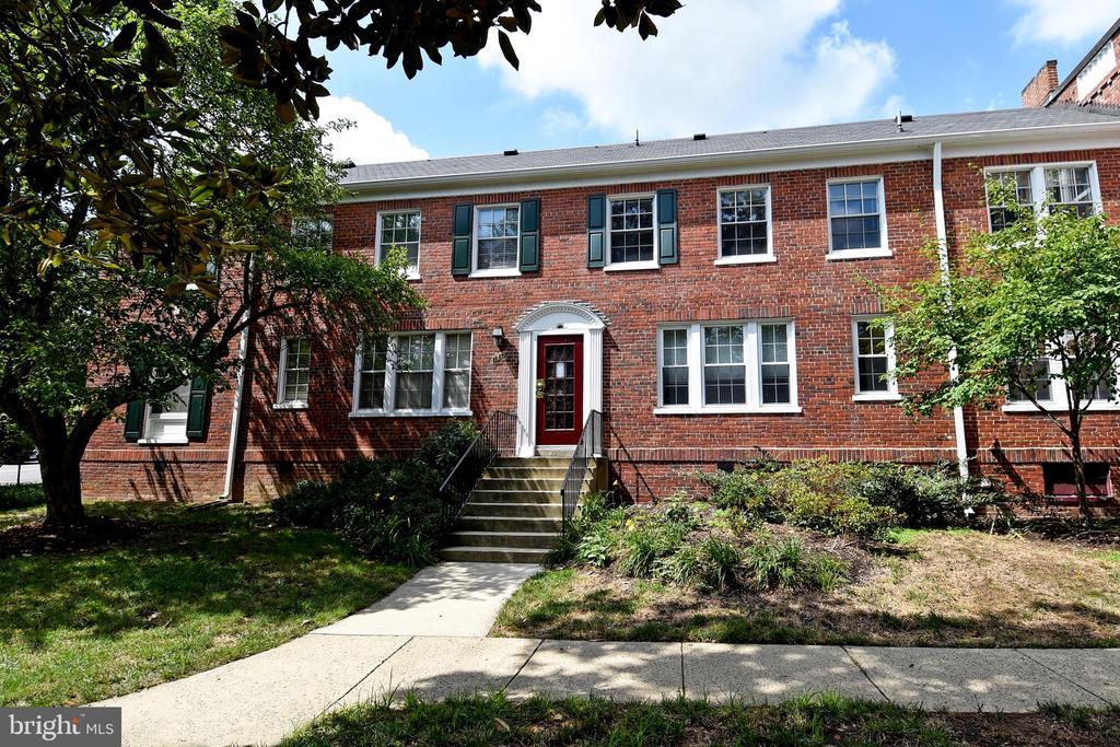 1813 Key Blvd #10539, Arlington, VA 22201