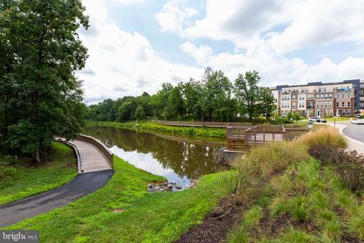 4983 Lakeside Crossing Chantilly VA 20151