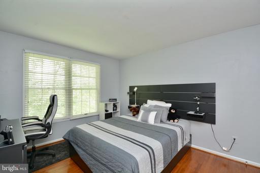 6409 Creek Bed Ct Centreville VA 20121