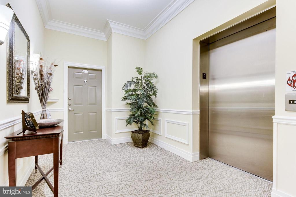 Photo of 7870 Rolling Woods Ct #405