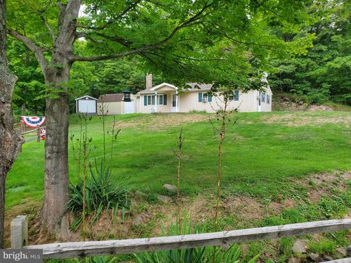 Property for sale at 772 Barton Hollow Rd, East Waterford,  Pennsylvania 17021
