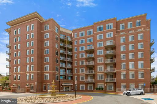 4490 Market Commons Dr #701