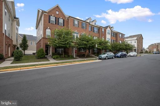 22565 Ocean Cliff Sq Ashburn VA 20148