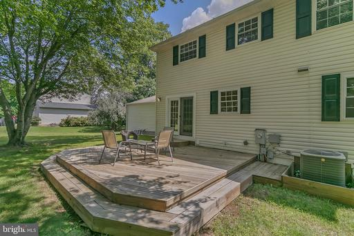 1160 Kettle Pond Ln Great Falls VA 22066