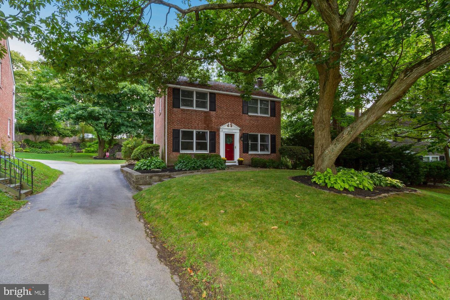 1005 Aikens Lane Wynnewood, PA 19096