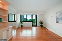1805 Crystal Dr #512s