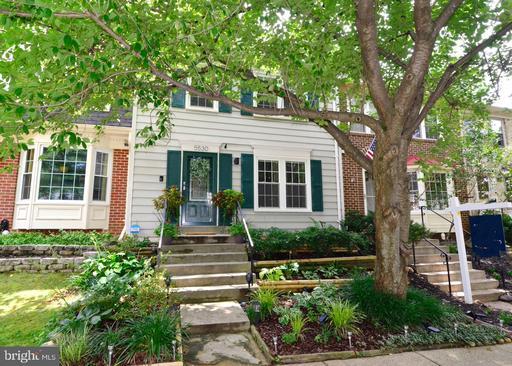 5530 Ridgeton Hill Ct Fairfax VA 22032