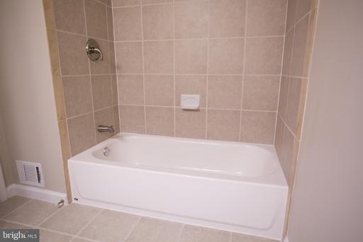 6028 Westbourne Pl Centreville VA 20120
