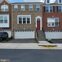 6264 Summit Point Ct