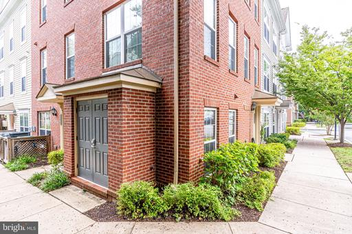 3909 Old Dominion Blvd #313, Alexandria, VA 22305