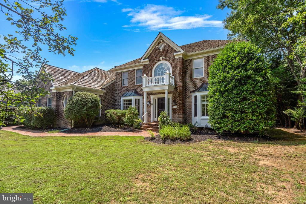 3713 Washington Woods Dr, Alexandria, VA 22309