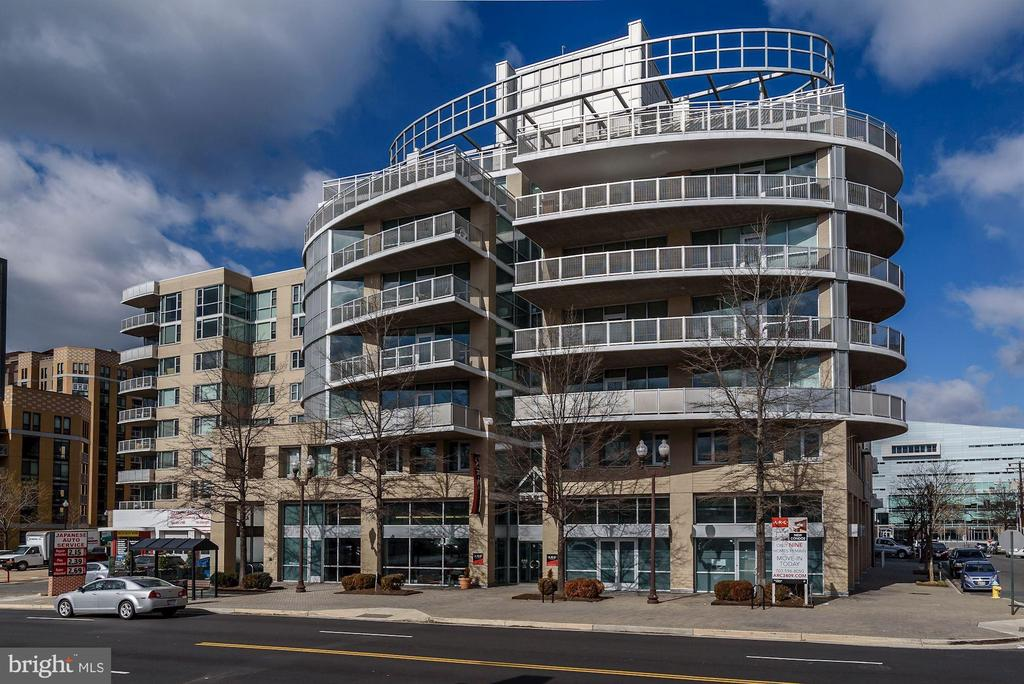 Photo of 3409 Wilson Blvd #309
