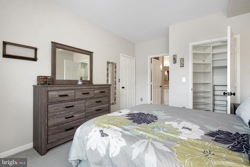 Photo of 5924 Founders Hill Dr #203