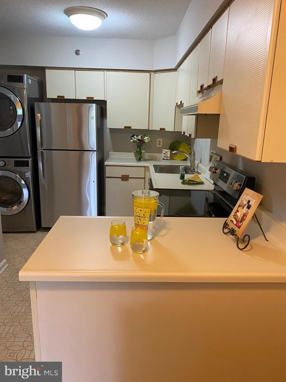 Photo of 1805 Crystal Dr #205s