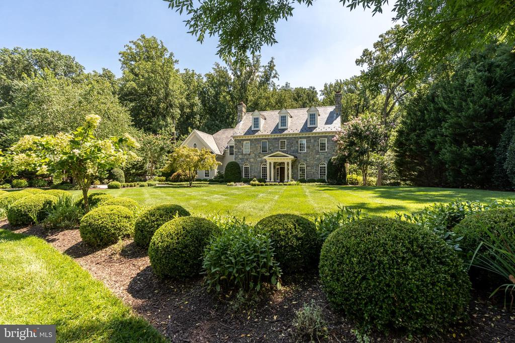 Photo of 8115 Spring Hill Farm Dr