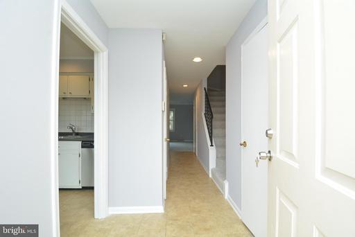 3074 Covington St Fairfax VA 22031