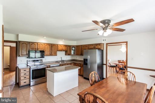 4162 Waterford Rd Amissville VA 20106