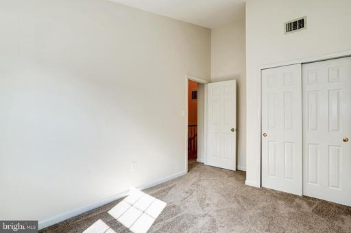14720 Flower Hill Dr Centreville VA 20120