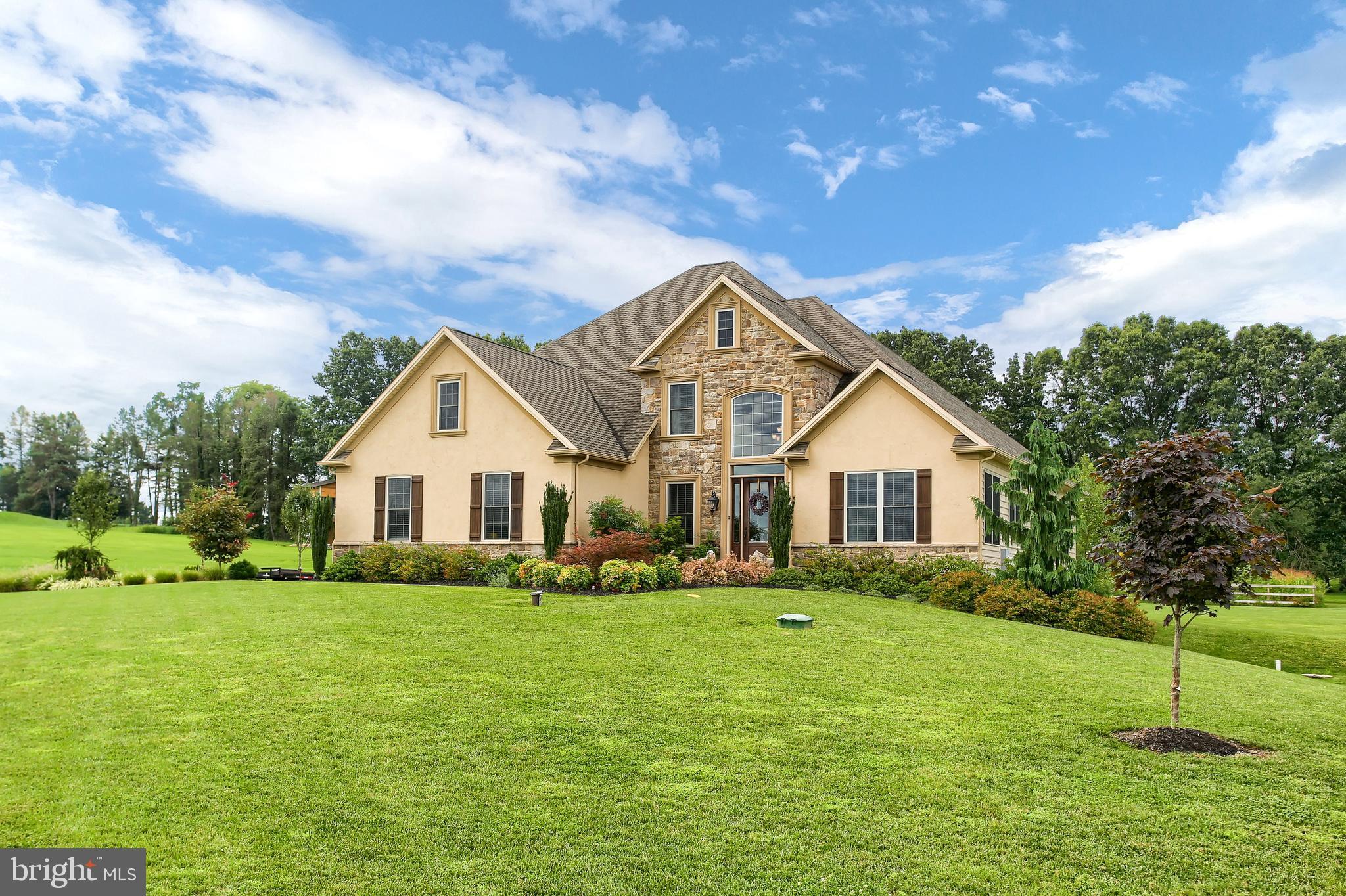 650 Fox Hollow Court, Spring Grove, PA 17362
