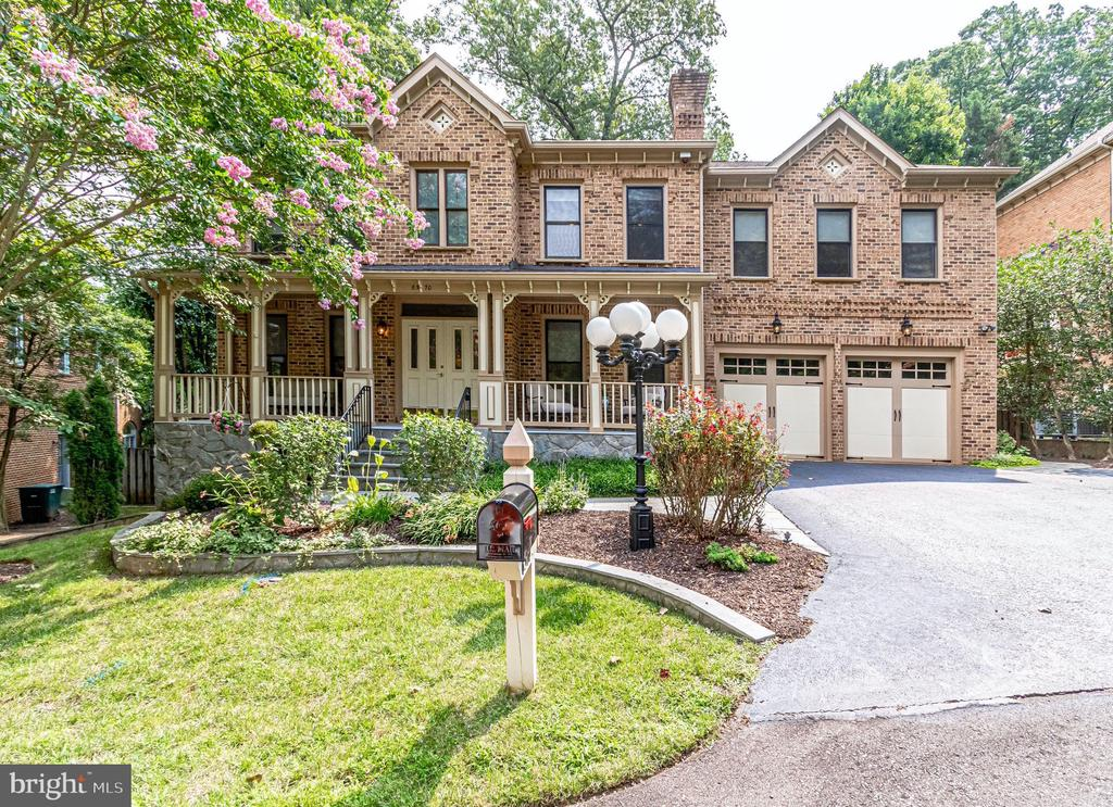 6570 Old Chesterbrook Rd, McLean, VA 22101