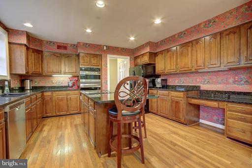 6164 Hidden Canyon Rd Centreville VA 20120