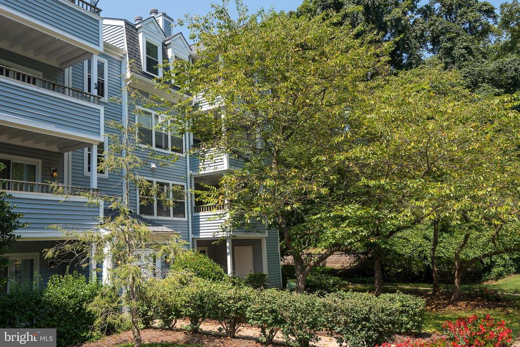 7714 Lafayette Forest Drive #32