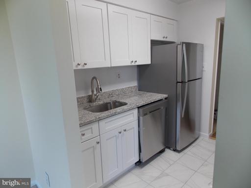 600 Roosevelt Blvd #414, Falls Church, VA 22044