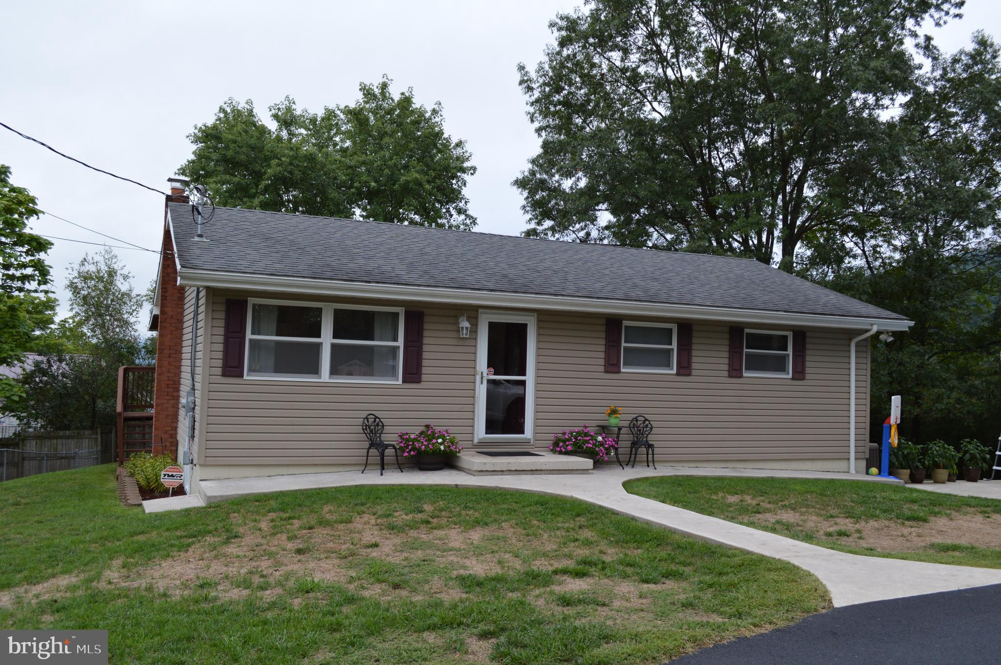 190 Hillsborough Terrace, Ridgeley, WV 26753