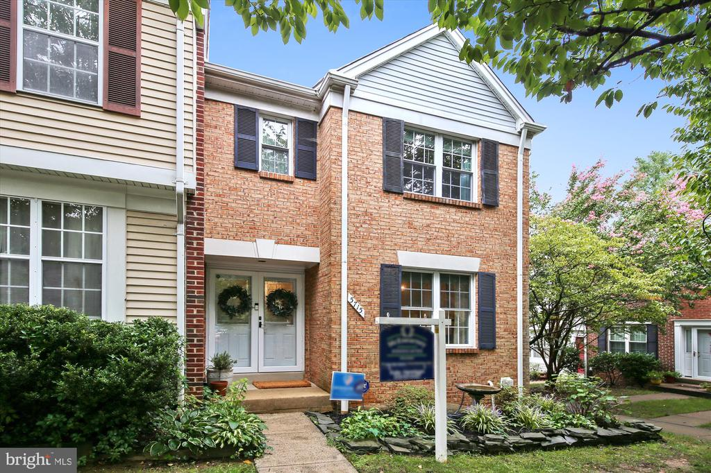 5715 Lawsons Hill Ct, Alexandria, VA 22310