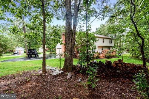 915 Holly Creek Dr Great Falls VA 22066