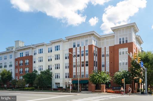 2655 Prosperity Ave #239, Fairfax, VA 22031