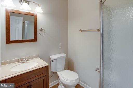 14037 Betsy Ross Ln Centreville VA 20121