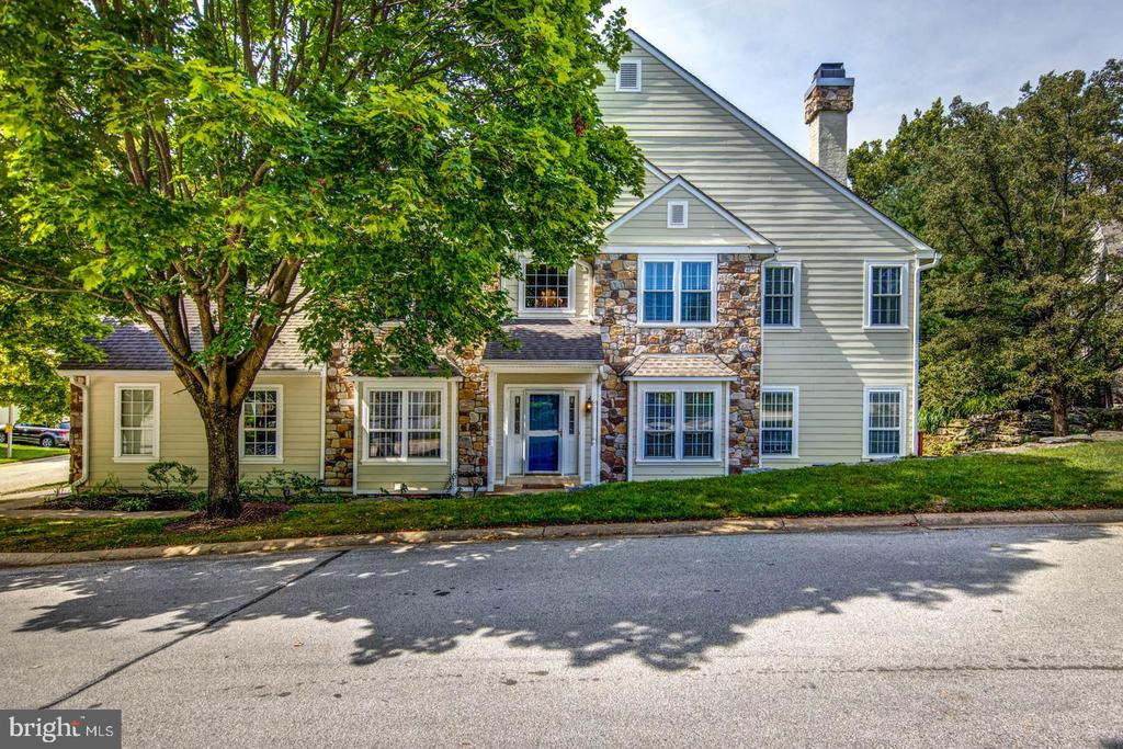"BEST PRICE in DAYLESFORD!  A townhome that feels like a single family due to the size and the end-unit.  Where can you get over 3,500 sq ft in all of T/E for this price that is move in ready???  . . . AND you don't have any exterior maintenance (HOA takes care of the roof, exterior, and the grounds).  See attached documents for the $115,000 in upgrades done in 2016.  First floor opens up to a 2-story foyer, large living room and dining room, Newer kitchen with 42"" cherry cabinets, granite countertops, tumbled marble backsplash with breakfast area.  Newer sliders to the back deck and an large open family room with a fireplace.  There is an additional first floor office / playroom, half bath, and laundry.  Second floor has large bedroom with an additional office, full master bathroom and large walk in closet.  2 additional bedrooms have a jack and Jill bathroom.  The basement is fully finished with a bar, desk / work area and an additional playroom / craft room and lots of storage.  Open House Sunday, September 14 from 2-4pm"