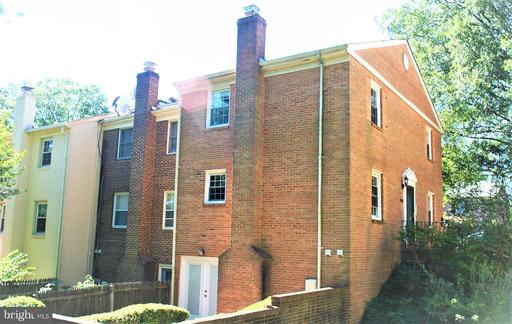 4513 Pinecrest Heights Dr, Annandale, VA 22003