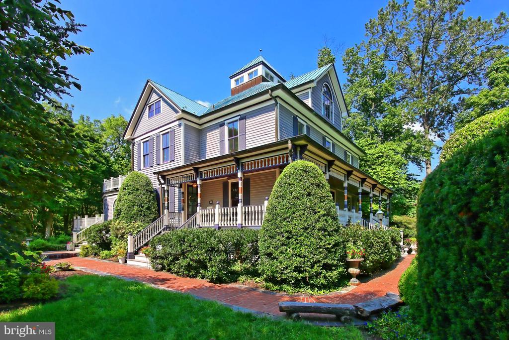 212 E Jefferson St, Falls Church, VA 22046