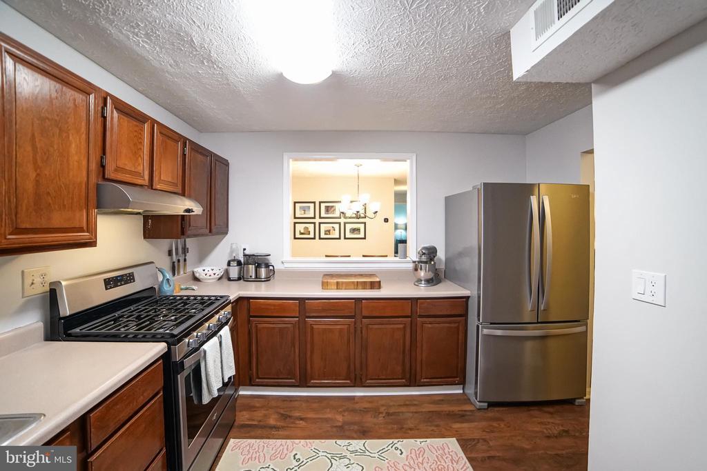 Photo of 10095 Oakton Terrace Rd