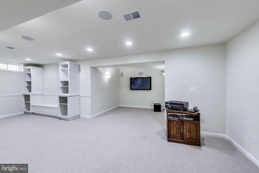 12517 Fox View Way Reston VA 20191