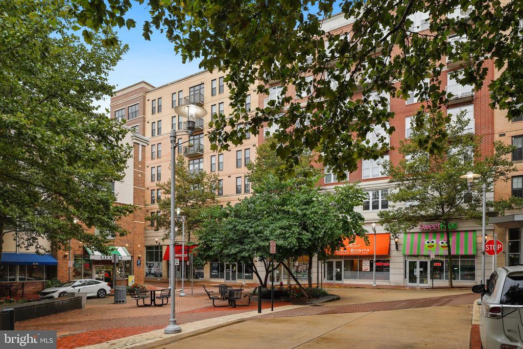 Photo of 444 W Broad St #424