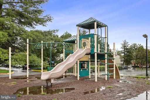 10304 Colony Park Dr Fairfax VA 22032